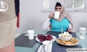 Muslim mummy give a word-of-mouth to erotic nubiles day whilst with regard to work as