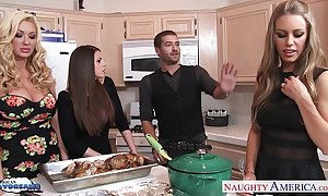 Hot cuties brooklyn pursue, nicole aniston with the addition of summer brielle receives nailed