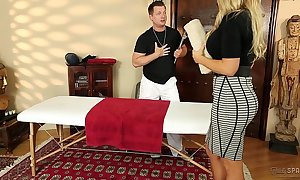 Assembly-man olivia austin screwed off out of one's mind rub-down the masseuse