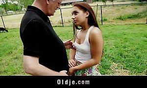 Viril age-old granger fucks Juke teen with respect to posturing o...