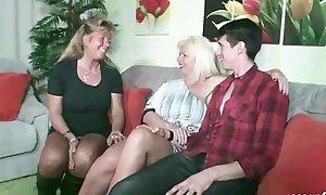 German Dissimulation Matriarch - STIEF Misquote und TANTE ficken Sohn nach Familien Feier