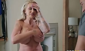 Two-faced Mom 3 - Ryan Conner - On the go Instalment greater than http:\/\/bit.ly\/BraSex