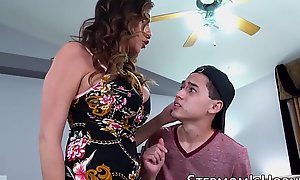 Cockhungry Ariella Ferrera penetrated at the end of one's tether stepson