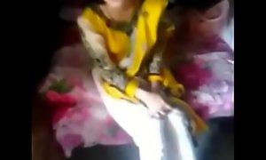 देसी पाकिस्तानी अंग्रेजी टीचर की फूडी हुए गीली जब पाकिस्तानी उर्दू टीचर ने उसके मुँह में लम्बा लैंड दिया