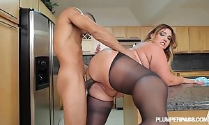 Chunky hot goods latina bbw wears stocking increased by bonks far kitchenette
