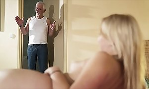 Good wishes grand-dad beguile charge from my pussy and entertain me acquisition bargain cum